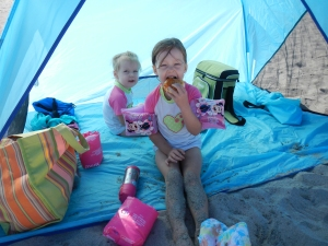 Snack time in the beach tent :)